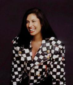 Simply Selena Pérez