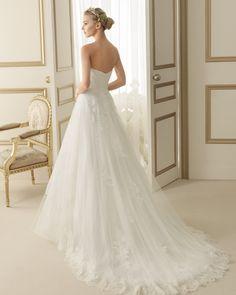 149 EROS | Wedding Dresses | 2014 Collection | Luna Novias (back)