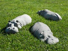 Trio von Beton Ornamenten! Nilpferd-Skulpturen für Ihren Garten! Willkommen Sie in meinem Etsy-Liste! Dieses Angebot ist für ein TRIO! (X3) von meinem 17 Flusspferde, drei zusammen bestellen sparen Sie £15,00 des Kaufpreises im Vergleich zu einzeln zu kaufen! Sie auch Geld sparen auf Porto