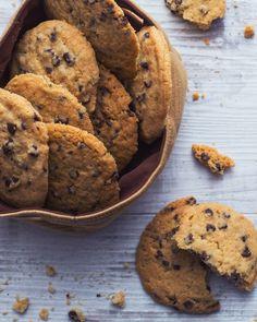 Cookies: fragranti e golosi. Scopri la ricetta per preparare i classici biscotti made in Usa.  [Cookies]