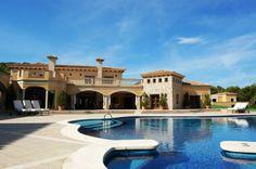 Mallorca luxury villas: 7 bedroom, 8 bathroom luxury mansion for sale in Santa Ponsa, Mallorca http://www.coastalpropertiesmallorca.com/index.php?option=com_iproperty&view=property&id=1208&Itemid=3   #mallorcaluxuryvillasforsale