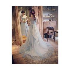 手染めの新作カクテルドレス* アトリエにて何度も染めなおし、夏らしいさわやかなお色目に出来上がりました 是非 ご試着にお越しください♩ #カラードレス#水色ドレス#ブルードレス#ウェディングドレス#レースドレス#スレンダー#プレ花嫁#洋装#wedding