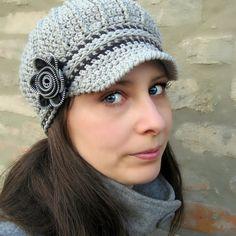 Crocheted newsboy cap with a zipper flower tutorial