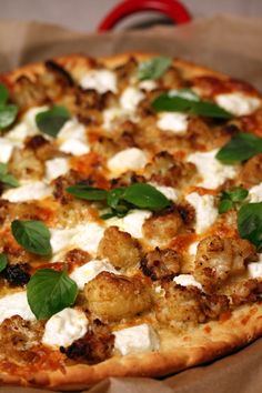 roasted cauliflower and goat cheese pizza...