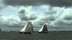 Spectaculaire wedstrijd skutsjesilen bij Woudsend, via YouTube.