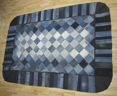 Link takes you too: just a photo of this cool rug. täcke-rätan.jpg (1600×1321)