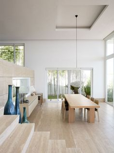 Minimalistic Japanese Interior Designs - if I planned to live alone on