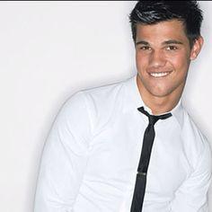 Taylor Lautner, so stinking cute!