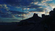 Por do Sol na Praia do Leblon... #pordosol #fimdetarde #sunshine #sunset #sol #sun #praia #beach #nature #natureza #paisagem #landscape #lifestyle #estilodevida #viagem #voyage #travel #turismo #tour #brazil #br #brasil #cidademaravilhosa #carioca #destinoerrejota #errejota #insta #instagood #rio #riodejaneiro http://tipsrazzi.com/ipost/1505550783117177492/?code=BTkynXjArKU