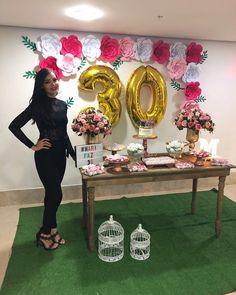 """261 Me gusta, 47 comentarios - Mariana (@mariifmp) en Instagram: """"Sim, não parece, nem eu acredito, mas hoje eu estou trintando hahaha... Ainda não realizei metade…"""" Happy 27th Birthday, Birthday Goals, 33rd Birthday, Birthday Woman, Birthday Photos, 30th Birthday Decorations, Ballon Decorations, Party Decoration, 30th Party"""