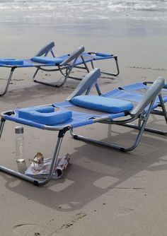 Our exclusive Breezy Beach Sun Lounger keeps you cool and comfortable. The seating surface is made of breathable and quick-drying duramesh that allows air to circulate freely.