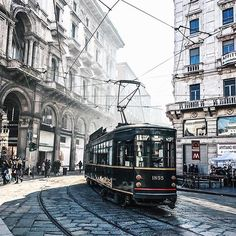 MILAN, ITALY.#Italy Photo Credit: @marco_catanese Chosen by: @la_gomme ≔≕≔≕≔≕≔≕≔≕≔≕≔