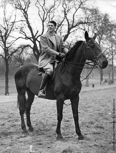 0 actor Ronald Reagan on horse