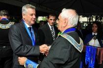 Governador de Brasília é condecorado na maçonaria - http://noticiasembrasilia.com.br/noticias-distrito-federal-cidade-brasilia/2015/04/21/governador-de-brasilia-e-condecorado-na-maconaria/