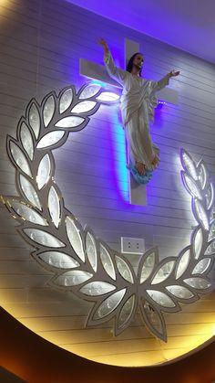 Office Christmas Decorations, Altar Decorations, Home Altar Catholic, Church Interior Design, Altar Design, Indian Home Design, Catholic Pictures, House Design Pictures, Room Partition Designs