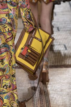 Etro at Milan Fashion Week Spring 2017 - Details Runway Photos