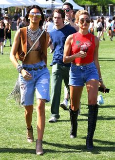 #Rihanna #Coachella (*♥ Daily Celebrity Chic Style ♥*) #withchic #chic #celebrity #fashiom Dress With Chic, Express Your Style !