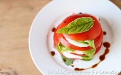 Garden Caprese Salad - Summer Simple - Will Cook For Friends Best Salad Recipes, Paleo Recipes, Snack Recipes, Yummy Recipes, Caprese Salad Recipe, Salad Dishes, Healthy Eating, Eating Clean, Healthy Foods