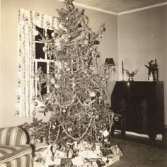 1940s christmas. My grandparent's tree used to look like this. These are my all time favorites!