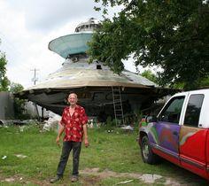 The Carpetbagger: South Carolina's UFO Welcome Center