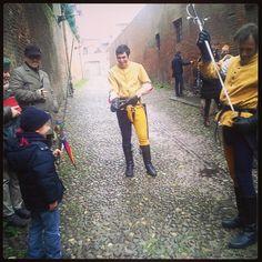 @vyrtuosa_Che gioia trovare dei cavalieri per strada che ti fanno provare la spada #Ferrara #rinascife2014