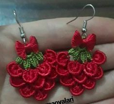 Bracelet Crochet, Crochet Earrings Pattern, Crochet Jewelry Patterns, Crochet Accessories, Crochet Wool, Crochet Motifs, Beaded Flowers, Crochet Flowers, Crochet Prayer Shawls