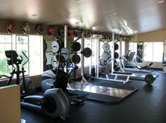 Top 10 Equipment Items For A Crossfit Garage Gym http://garagegymplanner.com/top-10-equipment-items-crossfit-garage-gym/