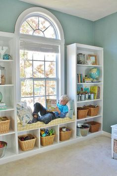 DIY Built-in Bookshelves Window Seat. DIY Built-in Bookcases with Window Seat. Learn how to build your own DIY Built-in Bookshelves including a window seat with this detailed, step by step tutorial. Bookshelves Built In, Built Ins, Book Shelves, Bedroom With Bookshelves, Bookcase Bench, Diy Bookcases, Bookshelves For Kids Room, Diy Built In Shelves, Custom Bookshelves