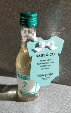 Baby and Co. Onesie Invitation Baby & Co. Baby Shower Azul, Baby Shower Favors Girl, Baby Shower Tags, Baby Shower Decorations For Boys, Baby Boy Shower, Baby Shower Parties, Baby Shower Gifts, Baby Shower Mexicano, Baby Shower Virtual