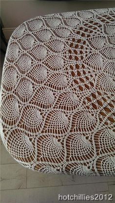 Auctiva Image Hosting Crochet Pillow Pattern, Crochet Patterns, Crochet Ideas, Crochet Tablecloth, Crochet Doilies, Mantel Redondo A Crochet, Bead Crafts, Diy Crafts, Thread Crochet