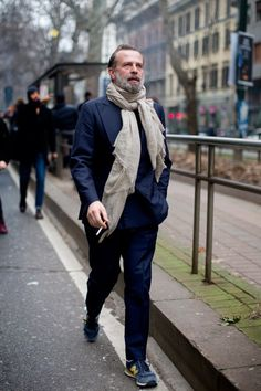 manolosweden:  iqfashion:  Robert Rabensteiner.  This is how you wear a scarf!