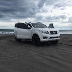 #nissan #np300 #frontier #navara Np 300 Frontier, Frontier Nissan, Nissan Navara, Suv Cars, Toyota Hilux, Pickup Trucks, Cars And Motorcycles, Offroad, Automobile