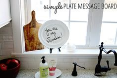 SimplePlateMessageBoardDecoratingIdea thumb Easy Plate Message Board