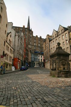 Fountain Well on the Royal Mile in Edinburgh, Scotland where Alex Maxwell's ancestress,Jane Maxwell, along wit her sister, Eglantine, raced pigs in the middle of the thoroughfare in the mid 18th century!!