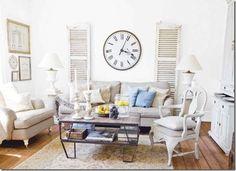 Dicas da Vila do Artesão - Persianas de demolição compõem a decoração da sala de estar
