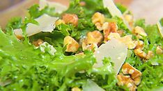 Look at this recipe - Chicory salad with walnuts and Parmesan - from Ellie Krieger and other tasty dishes on Food Network. Chicory Salad, Meat Fruit, Green Salad Recipes, Parmesan Recipes, Walnut Salad, Healthy Eating For Kids, Healthy Living, Easy Cooking, Food Network Recipes