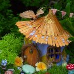 Gorgeous DIY Garden Ideas You Must Try 19 Diy Fairy Garden Ideas How To Make A Miniature Fairy Garden for ucwords] Mini Fairy Garden, Fairy Garden Houses, Fairies Garden, Gnome Garden, Fairy Houses Kids, Garden Arbor, Garden Shop, Fairy Crafts, Garden Crafts