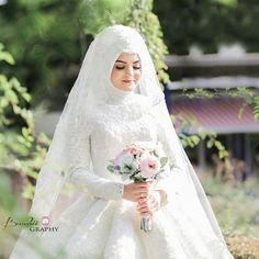 "4,300 Likes, 86 Comments - Gülsüm Türbantasarım, hijab (@gulsum.turban.hijabdesign) on Instagram: ""Güzel gelinimiz @asli_f_atih Foto @__fnphotography Türban @gulsum.turban.hijabdesign Dress…"""