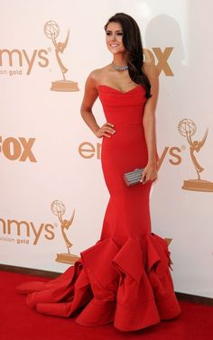 Probably my favorite dress that Nina Dobrev has worn, with the one that she wore to the 2012 Met Gala in a close second.
