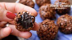 Como fazer Brigadeiro Gourmet.  O brigadeiro ganha chocolate em barra meio amargo e creme de leite, deixando-o mais delicado e menos doce! Ponto Mole, ideal para cobertura e Ponto Duro, perfeito para rechear e enrolar!