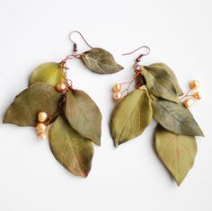 Woodland earrings with 5 leaves (Pastel green colour) and natural pearls. Forest Queen collection.