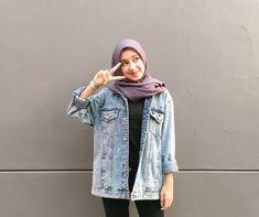 Stylish Hijab, Casual Hijab Outfit, Cute Casual Outfits, Ootd Hijab, Hijab Fashion Inspiration, Fashion Outfits, Jaket Jeans, Screen Wallpaper, Barrel