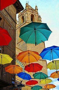 Street Umbrellas in Reus, Spain back parking lot cover? Beautiful Places To Visit, Oh The Places You'll Go, Beautiful World, Places To Travel, Umbrella Street, Umbrella Art, Feel Good Pictures, Spain Holidays, Barcelona Travel