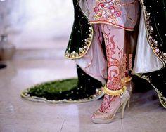 Gorgeous Foot Mhendi Design of Bridal Arabic Henna Designs, Mehndi Designs Book, Modern Mehndi Designs, Beautiful Mehndi Design, Dulhan Mehndi Designs, Latest Mehndi Designs, Henna Tattoo Designs, Mehndi Designs For Hands, Bridal Mehndi Designs