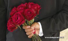 #Amor #Romantico #Parejas #DemostracionesDeAmor | 7 demostraciones de amor que toda mujer espera alguna vez Flowers Uk, Send Flowers, Amazing Flowers, Valentines Flowers, Valentine's Day, Garden Photos, Rose, Gifts, Google
