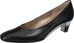 Schlichte Gabor Pumps mit edler Karree-Schuhspitze. Der weite Vorderfußbereich sorgt für eine angenehme Passform ohne einzuengen.  - glänzendes Echtleder - weiche Decksohle - Verschluss: Schlupf - Absatzart: Trichter: - Absatzhöhe: 4,5 cm - Schuh-Weite: F  Obermaterial: Leder (Glattleder) Futter: Leder Decksohle: Leder Laufsohle: Sonstiges Material (Gummi)  Materialzusammensetzung: Decksohle: L...