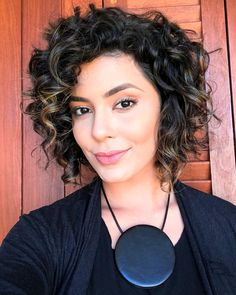 Haircuts For Curly Hair, Curly Hair Cuts, Curly Bob Hairstyles, Wavy Hair, Short Hair Cuts, Curly Hair Styles, Short Curly Bob, Curly Inverted Bob, Medium Curly Haircuts