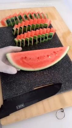 to cut watermelon for fruit platter. How to cut watermelon for fruit platter. Home hacks tips and tricks.How to cut watermelon for fruit platter. Home hacks tips and tricks. Fruit Recipes, Appetizer Recipes, Cooking Recipes, Cooking Tips, Fruit Appetizers, Healthy Appetizers, Turkey Recipes, Healthy Food, Cut Watermelon