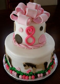 Horse Birthday Cake ~ Adorable, our grandaughter would love this one!