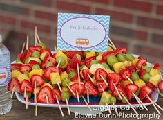 Fruit kabobs luau Ideas for 2019 18th Birthday Party, Summer Birthday, Birthday Ideas, Fruit Birthday, Retro Birthday, Surf Shack, Retro Surf, Hawaiian Birthday, Hawaiian Luau